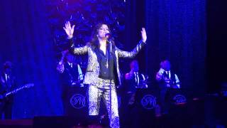 Martina McBride singing Suspicious Minds in Montgomery AL