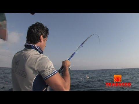 La pesca sul lago un velluto a coste stradale