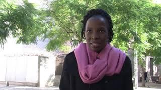 «Muchas niñas africanas dejan el colegio, mientras los niños siguen estudiando»