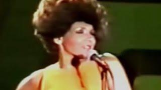 Shirley Bassey - GOLDFINGER (1978 Live in Sydney)