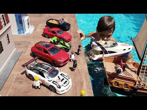 Mi Puerto Banus de Playmobil, coches y barcos de lujo.