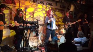 """Jo Dee Messina Sings """"Need You Now"""""""