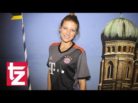 FC Bayern - Erstes Video: Das ist das neue Auswärtstrikot des Rekordmeisters - Saison 2016/2017