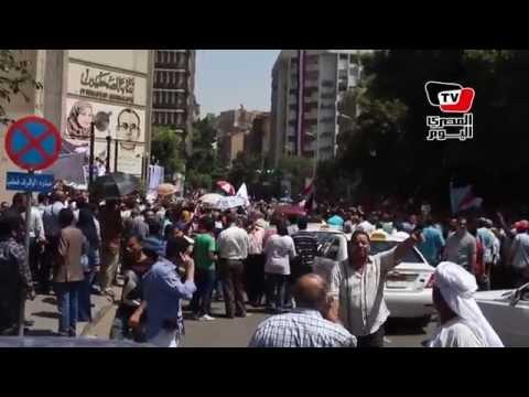 مظاهرة حاشدة لموظفي الدولة أمام «الصحفيين» لرفض قانون الخدمة المدنية