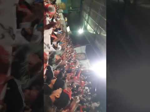 """si tienen alguna duda que nos vengan a buscar . l.b.d.t 14"" Barra: Los Borrachos del Tablón • Club: River Plate • País: Argentina"