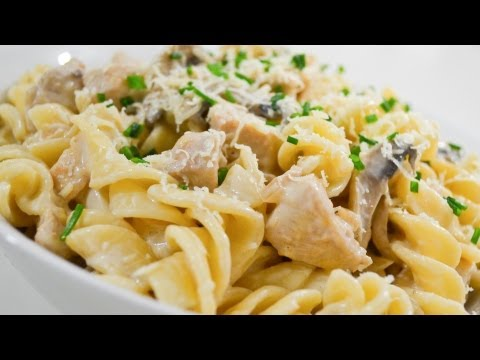 Creamy Chicken and Mushroom Pasta – Video Recipe