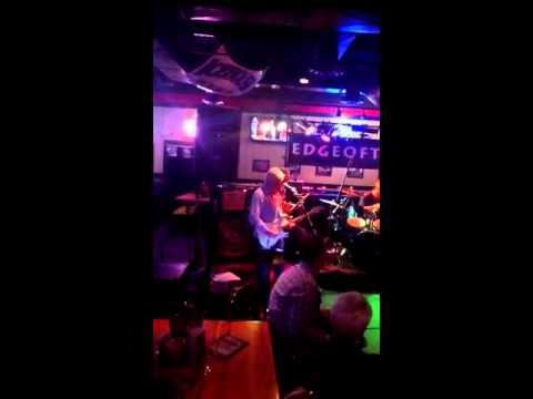 EDGEOFTOWN VooDoo Chile Solo Clip Live