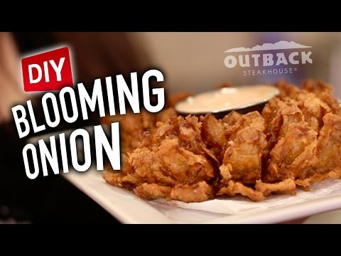 DIY Blooming Onion – Feat. Mr. Pig