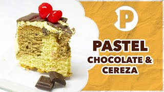 Pastel de Chocolate con Cerezas