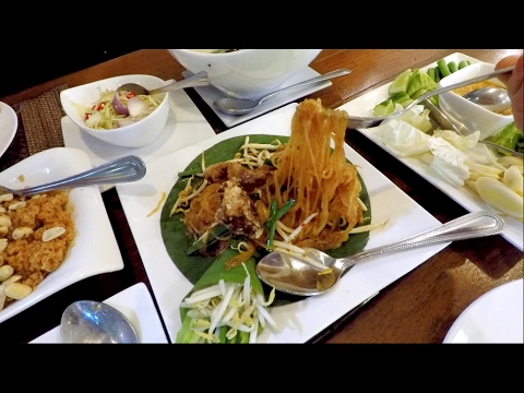Thailand Vlog: Authentic Thai food in Cute Boutique Hotel!
