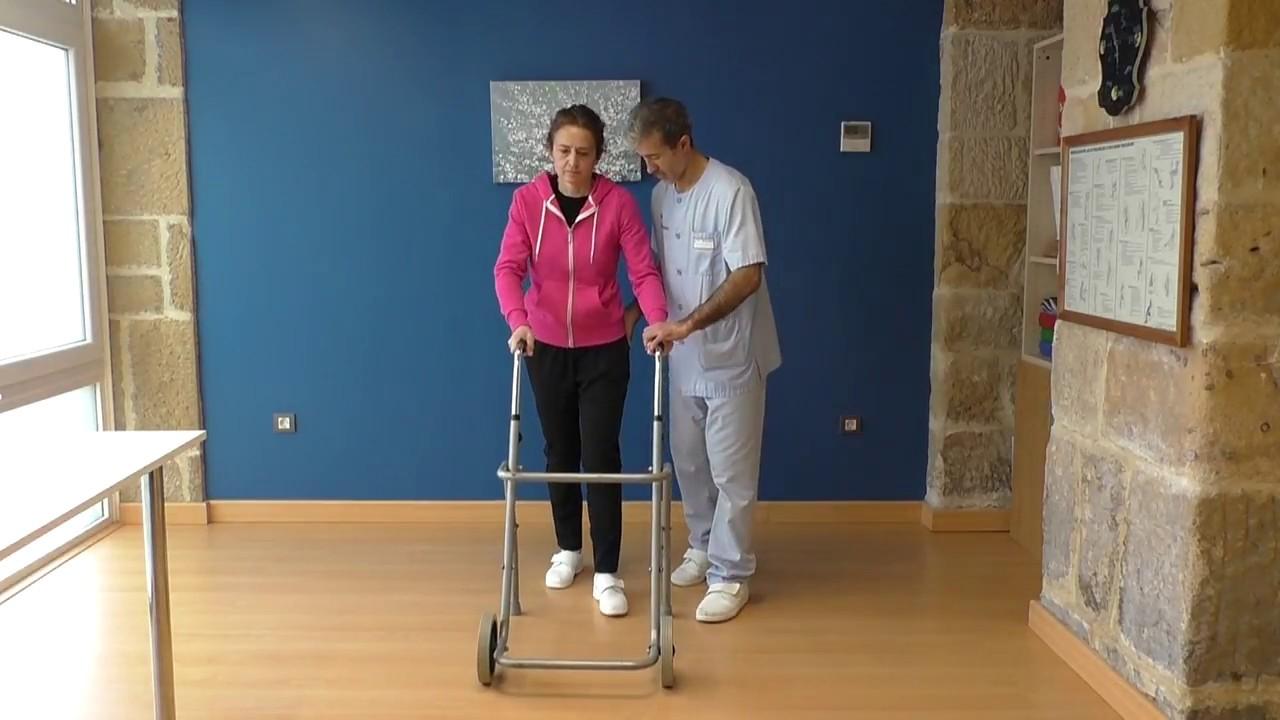 Vídeo sobre Escuela de cadera. Transferencia cama - silla.
