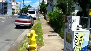 preview picture of video 'Funky bicycle ride through Moiliili neighborhood streets in Honolulu Hawaii 2014'