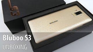 Bluboo S3 Unboxing în Limba Română (Telefon powerbank cu baterie de 8.500 mAh, multe accesorii)