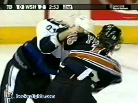 Matt Pettinger vs. Cory Sarich