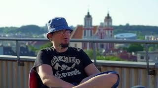Interviu su Emiliu Vėlyviu