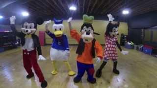Disney Characters Doing The NaeNae