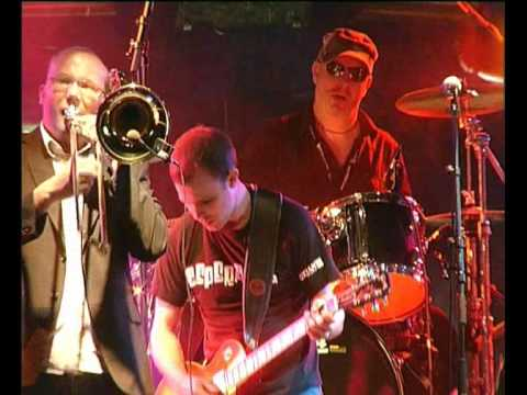 Esperanza ska band - 'The Lesson' at Wickerman Festival 2010