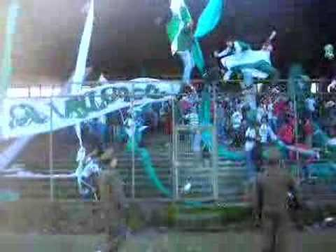 """""""LOS DEVOTOS www.losdevotos.com"""" Barra: Los Devotos • Club: Deportes Temuco"""