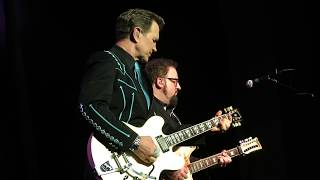 "Chris Isaak - ""Somebody's Crying"" - Northern Lights Theater, Milwaukee, WI - 08/05/17"