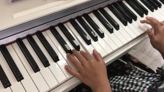 あおいそらがうつってるピアノ