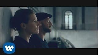 Kadr z teledysku Bezwładnie tekst piosenki Mikromusic & Skubas