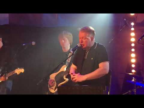 Edwyn Collins- A Girl Like You Quay Sessions