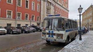 Москвичи идут с требованиями к Собянину в Мэрию Москвы / LIVE 21.02.19