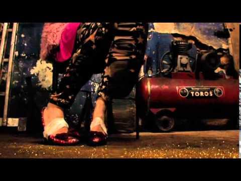 Προεσκόπηση βίντεο της παράστασης ΠΑΡΑΣΙΤΑ.