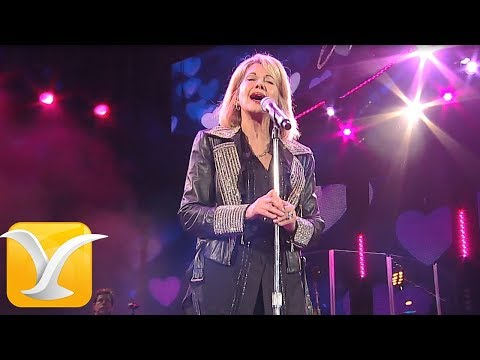 Olivia Newton-John - Hopelessly Devoted to You - Festival de Viña del Mar 2017 HD 1080P