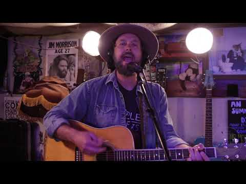 , title : 'Indiana Line by Chicago Farmer & The Fieldnotes (Live at DZ Records)