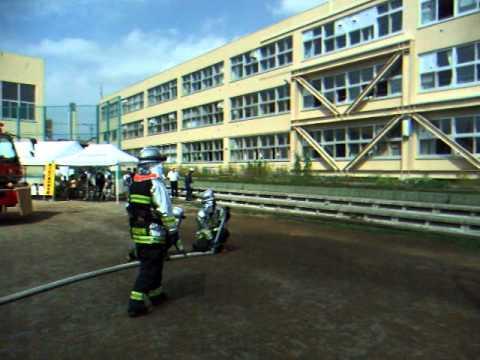 豊平消防署平岸水槽隊の放水
