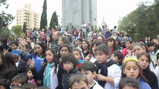 preview picture of video '... Y todo el pueblo de Bell Ville cantó el Himno Nacional en LSA'