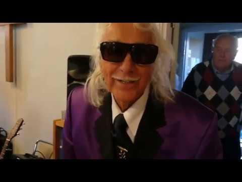Målle Lindberg, 89, sjunger och vittnar om Himlen i Borås