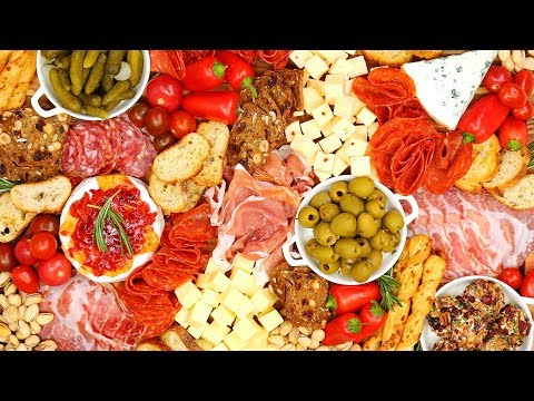 Charcuterie Board | Holiday Entertaining