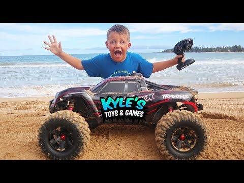 RC Car Jumps On The Beach!