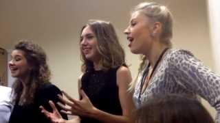 Участники проекта Голос. Репетиция песни Гелы Гуралиа