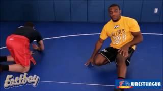 Джордан Барроуз, техника вольной борьбы - ПРОХОД В НОГИ , видео масте-класс