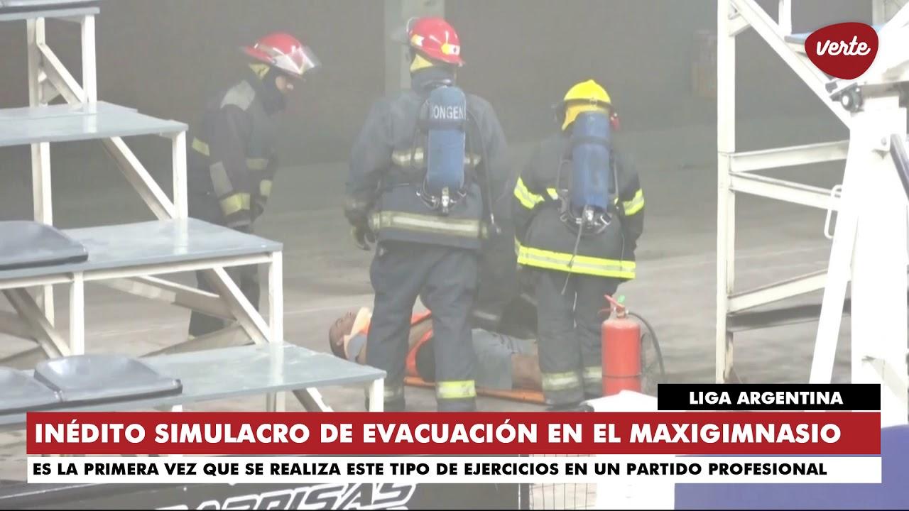 El Maxigimnasio fue evacuado en pleno partido