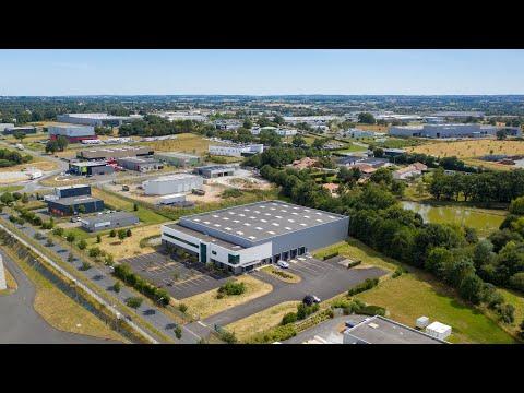 EXCLU : Découvrez dès maintenant ce superbe local d'activité disponible à la location dans la zone industrielle de Cholet ! CLIQUEZ-ICI