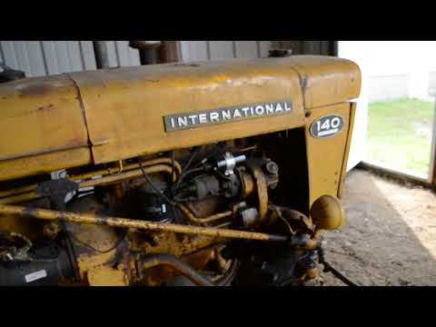 1962 International 140 with fast hitch | HiBid Auctions
