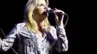 Trisha Yearwood - The Song Remembers When (live)