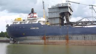 preview picture of video 'Algosteel in Owen Sound Harbour'