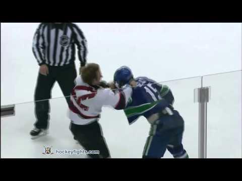 Tanner Glass vs. Brad Mills
