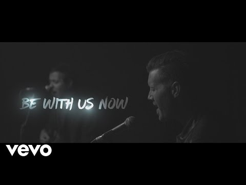 Ouvir Be With Us Now (Emmanuel)