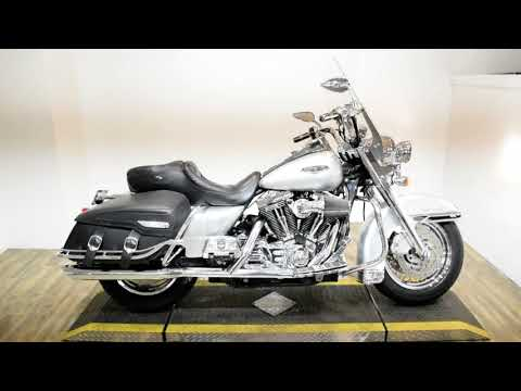 2005 Harley-Davidson FLHRCI Road King® Classic in Wauconda, Illinois - Video 1