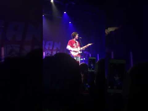 Comfort Crowd - Conan Gray live at L'Astral (Montreal, QC)