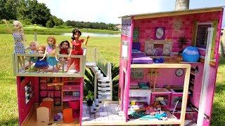 Elsa and Anna toddlers visit Elena's house - outdoors - pool - water fun - splash - playdate