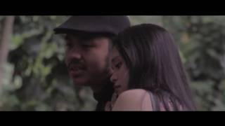 Gambar cover TATA JANEETA feat MAIA ESTIANTI - Sang Penggoda (Music Video Cover)