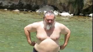 preview picture of video 'Baño en Montanejos, junio 2014'