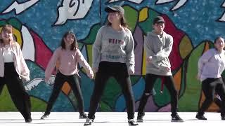 大学生のダンス 「Hey Baby (Jump Off) - Bow Wow & Omarion」